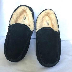 UGG Black Suede Slippers size 8 Moccasins